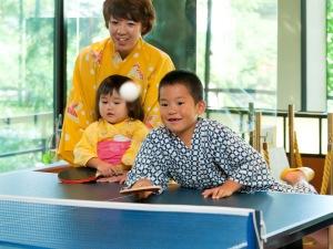 家族で卓球.JPG